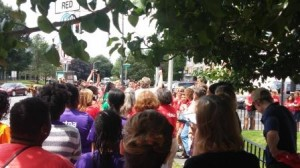 Asylum Hill lunchtime crowd Jul 30 2014 compressed